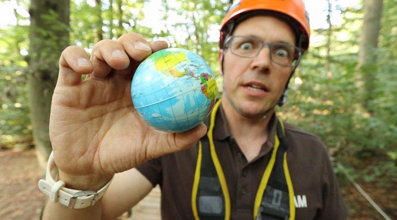 Simon erklärt die Welt