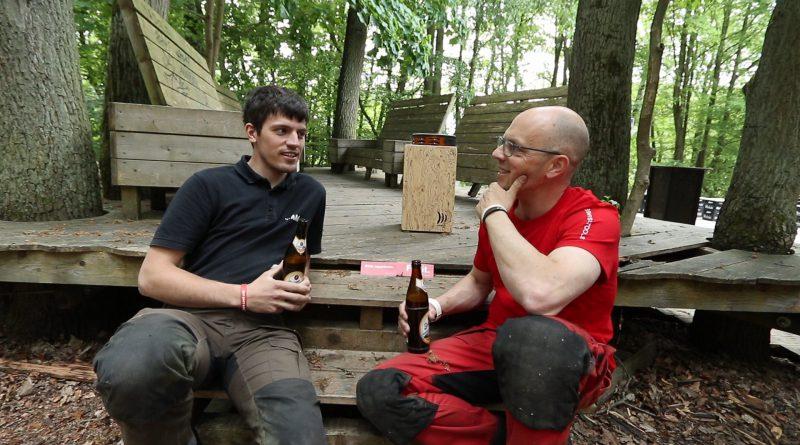 Robin und Simon aus dem Wald